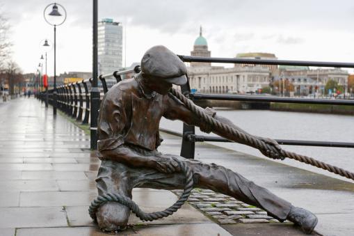 Linesman Statue Dublin Ireland