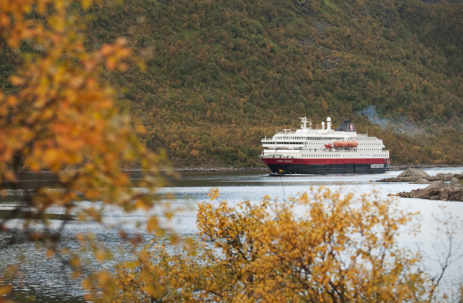 MS Trollfjord in Raftsundet - September